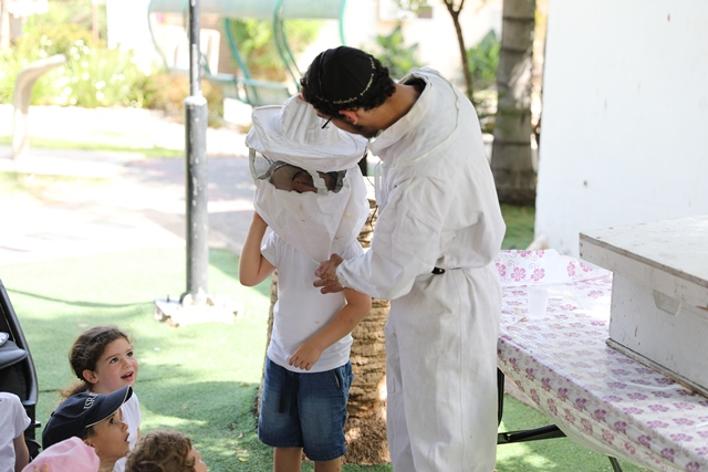 מפגש עם דבוראי בסדנת הדבש